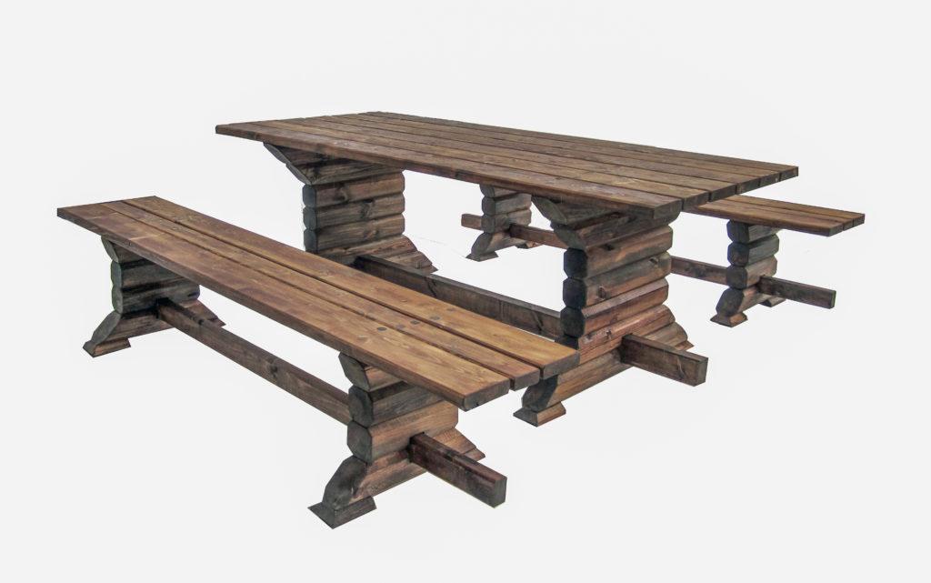 Palgist aiamööbel, laua pikkus on 2,5 meetrit